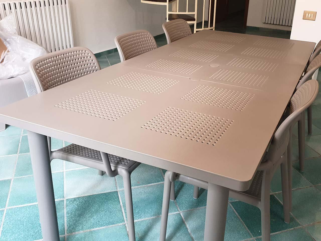 Scopri i Testimonial del prodotto Set tavolo Libeccio 160/220 con 6 sedie Bora